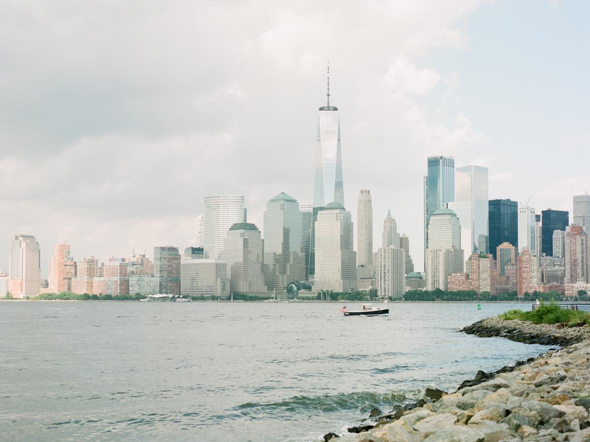 NYC-skyline-engagement-session-by-Tanya Isaeva-3.jpg