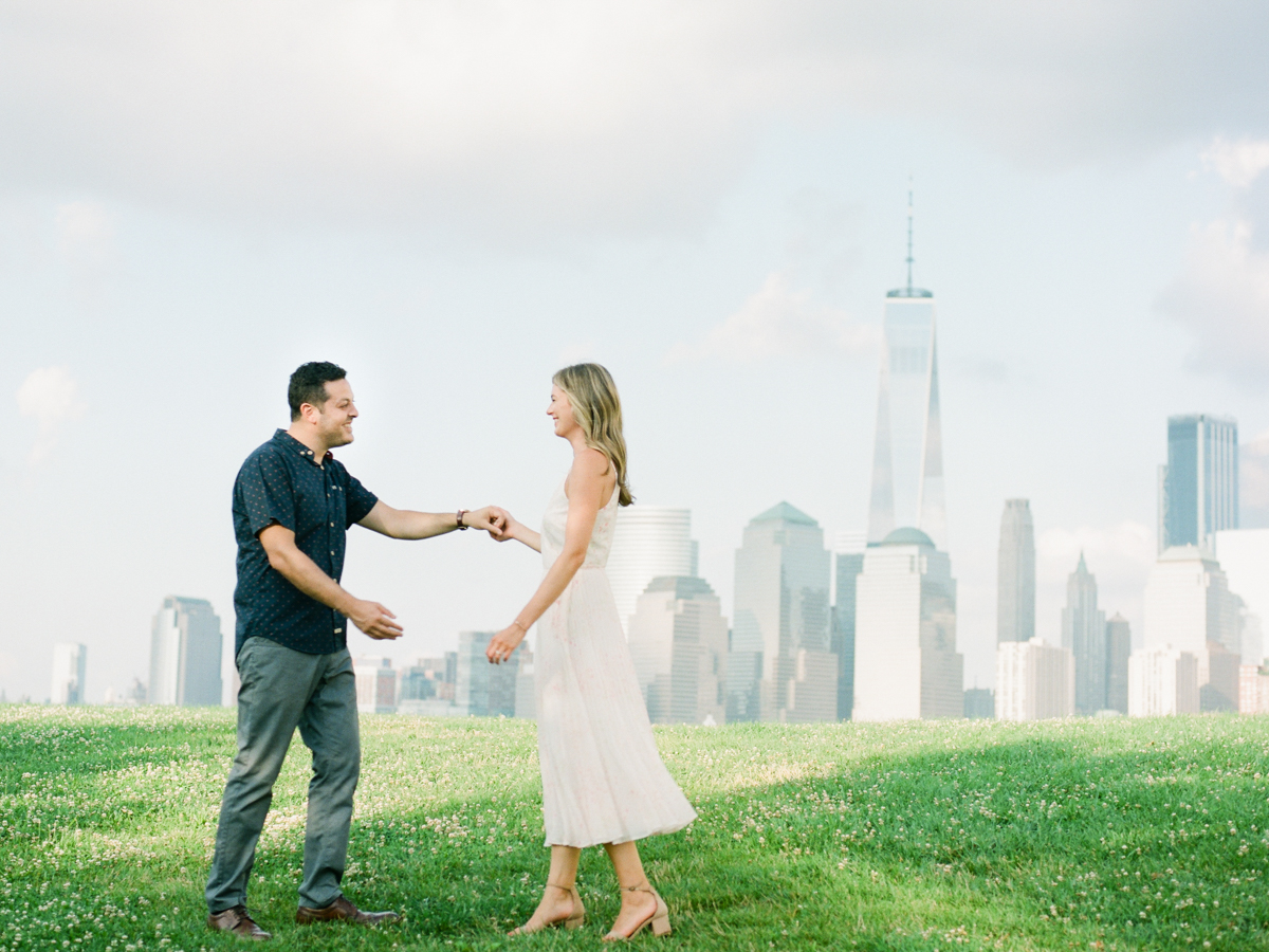 NYC-skyline-engagement-session-by-Tanya Isaeva-19.jpg