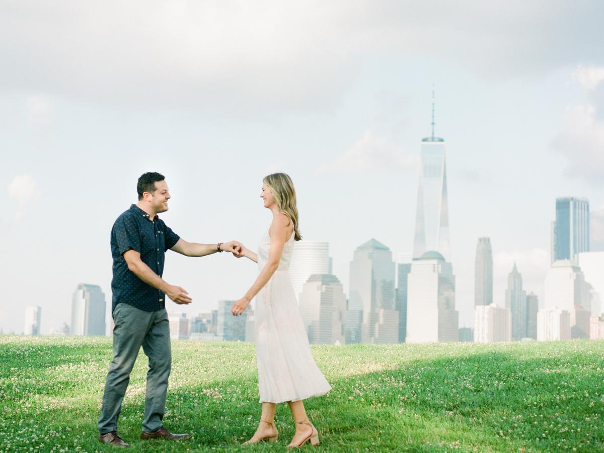 NYC-skyline-engagement-session-by-Tanya Isaeva-19.jpg