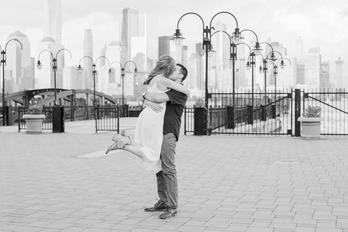 NYC-skyline-engagement-session-by-Tanya Isaeva-61.jpg