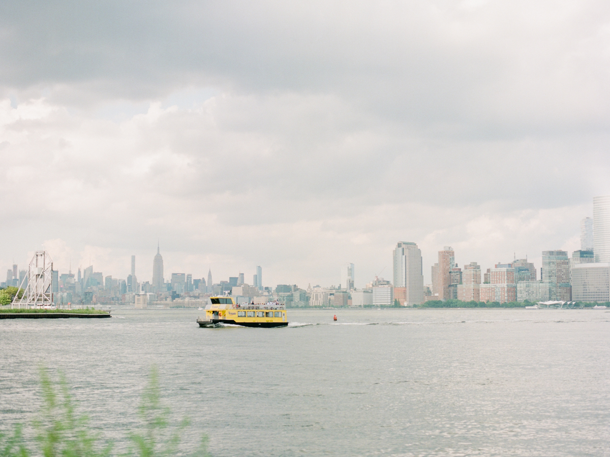 NYC-skyline-engagement-session-by-Tanya Isaeva-2.jpg