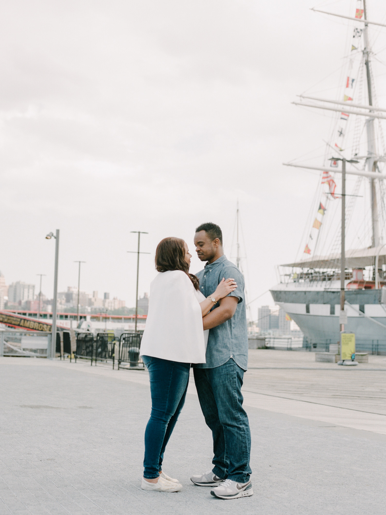 NYC-South-street-seaport-engagement-session-33.jpg