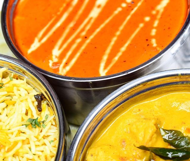 Nothing warms the heart more than a big bowl of curry. Head on to @dabbawallasingapore this week and treat yourself to their tasty curries in a warm and vibrant setting. . . . #robertsonquay #dabbawallasingapore #traditional #indian #dining #singaporeriver #quayside #dabbawallasingapore #dabbawallastyle #authentic #foodiesg #singaporeeats #foodiesg #foodpornsg #instafood_sg #instasg #feedfeed #singaporefood #exploresingapore #foodstagram #sgfoodie #sgeats #sgfoodtrend #foodphotography #singaporeinsiders #exploresingapore