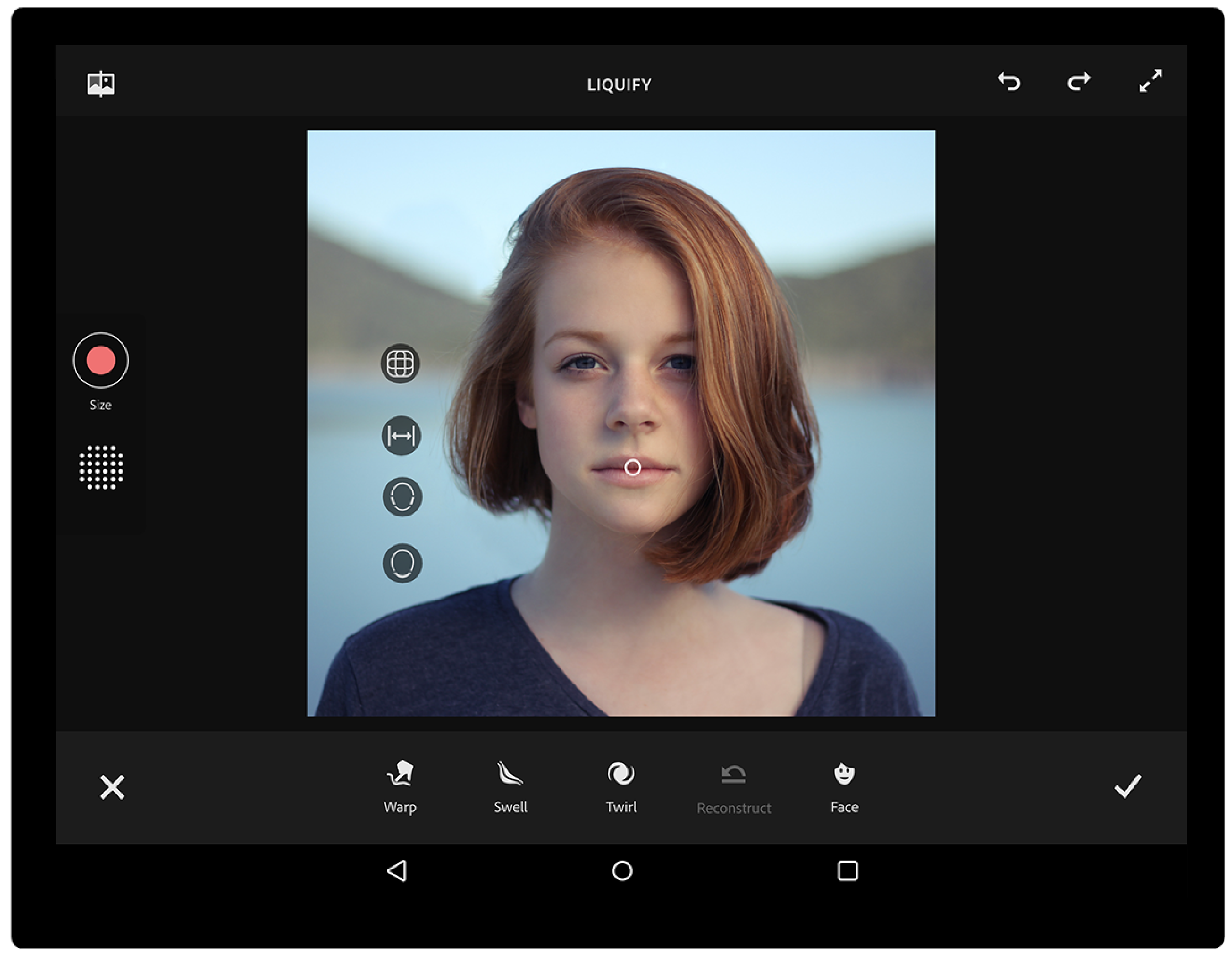 01Liquify - Fix's face aware Liquify tool can let you edit any situation. You can make a person smile, edit their features or simply have fun with it. The intensity controllers are HUD based to provide more intuitive results.