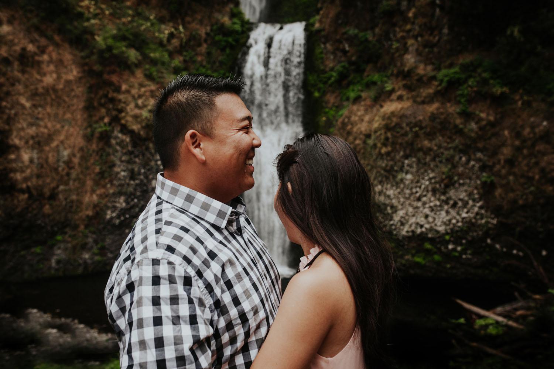 destination wedding photographers atlanta engagment photographer elopement photography oregon Latourell Bridal Veil Multnomah falls 0001.jpg