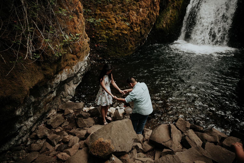 destination wedding photographers atlanta engagment photographer elopement photography oregon Latourell Bridal Veil Multnomah falls 0076.jpg