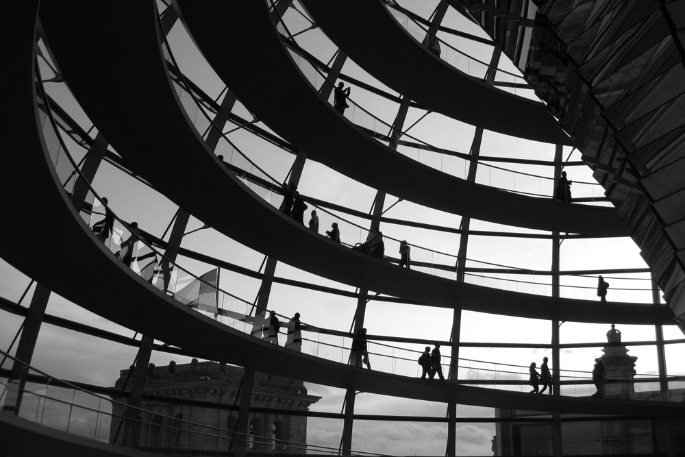 Kita Reichstag Rising.jpg