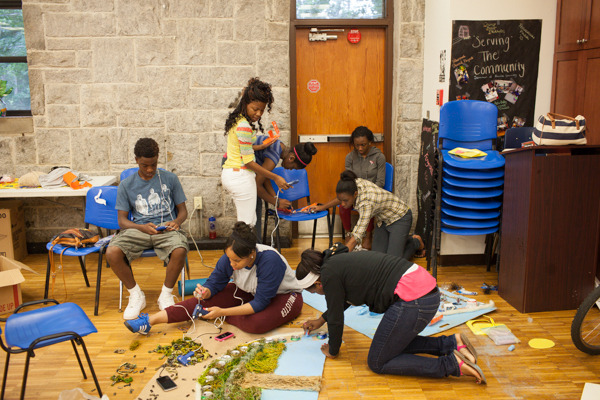 do_good_students_create_art_from_recycled_goods_photo_by_dustin_chambers_0190.jpg