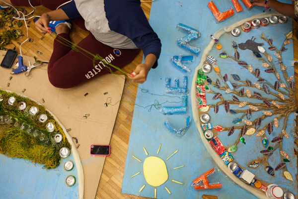 do_good_students_create_art_from_recycled_goods_photo_by_dustin_chambers_0199.jpg