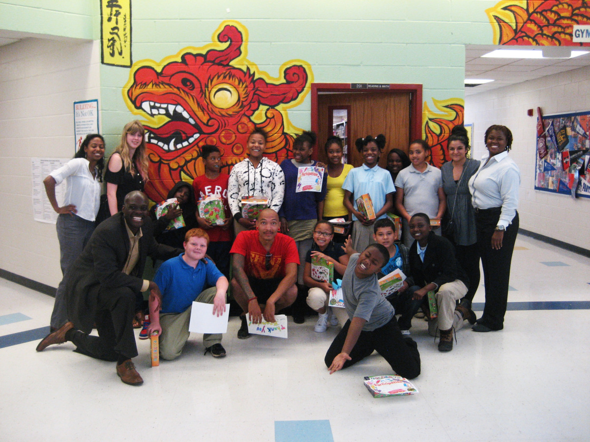perkerson_elementary_students_work_with_tcp_resident_0402.jpg