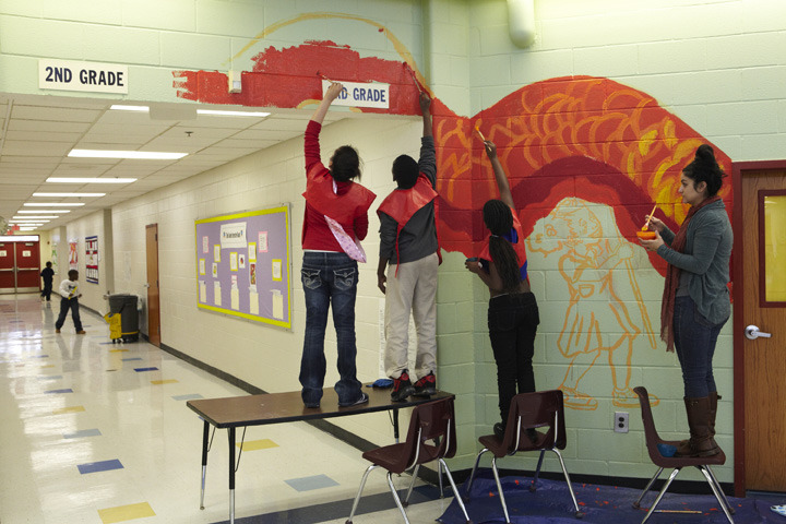 perkerson_elementary_students_work_with_tcp_resident_708.jpg