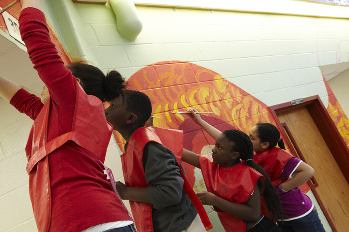 perkerson_elementary_students_work_with_tcp_resident_713.jpg