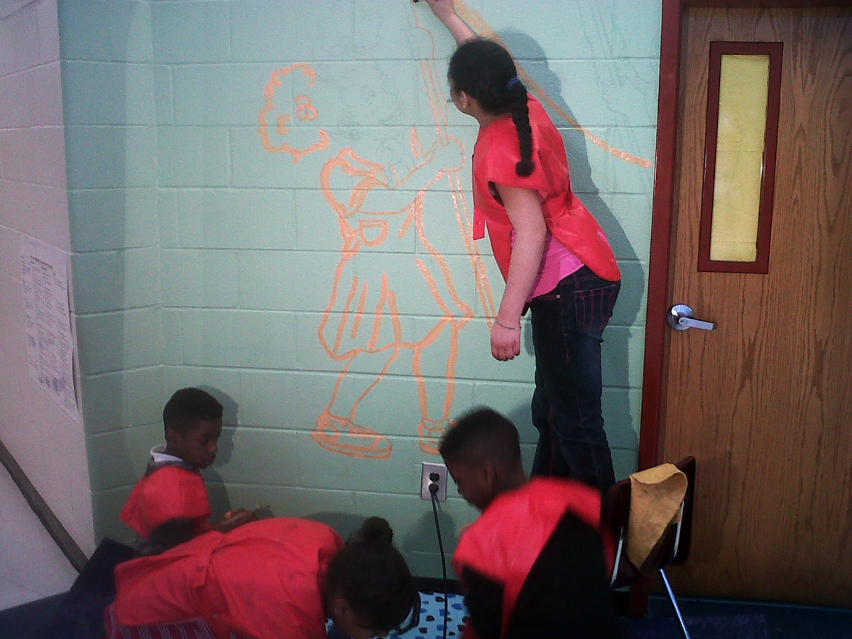 perkerson_elementary_students work with tcp resident artists_on_entryway_mural2.jpg