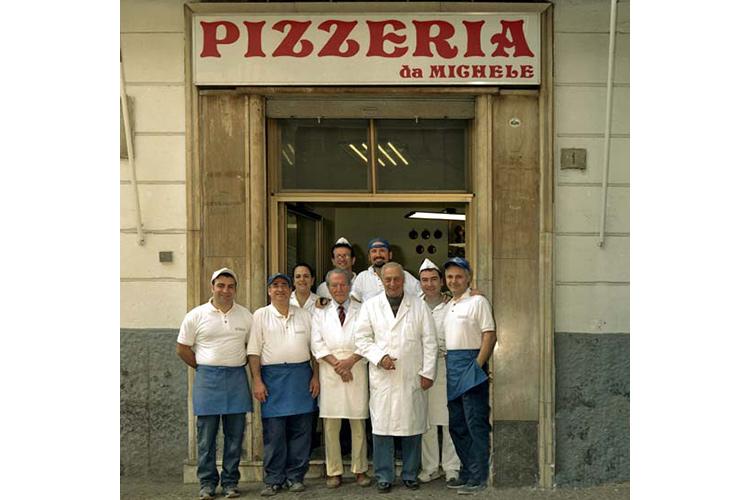 Antica-Pizzeria-da-Michele-Quando-il-nome-diventa-un-brand.jpg