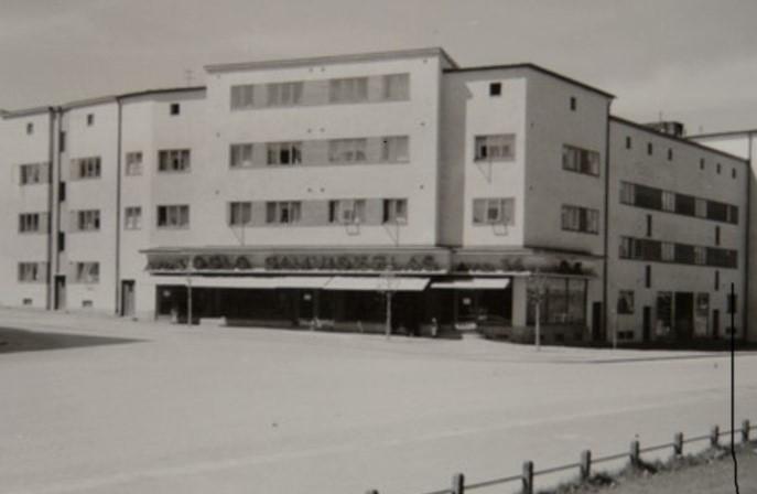 Åsengata 42. Butikk for Oslo Samvirkelag, avd. 36. Sannsynligvis fra 1920-tallet. Foto: Oslo Byarkiv.