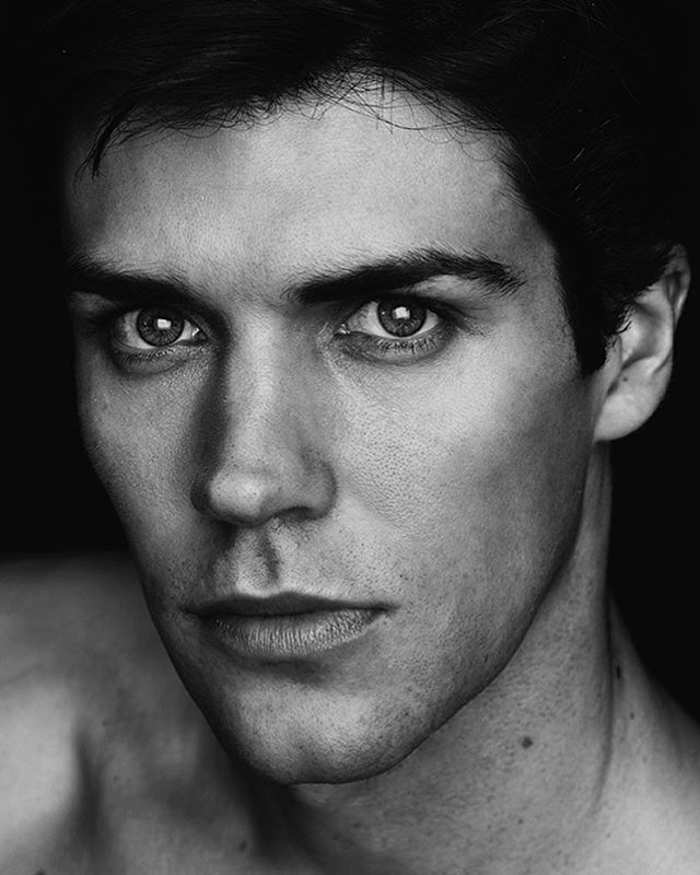 Portrait of the great Roberto Bolle - Studio Milano @robertobolle @robertobolleofficial #andreavaraniphotographer #portrait #blackandwhite #dancer #sonyalpha #sonyimages #studio