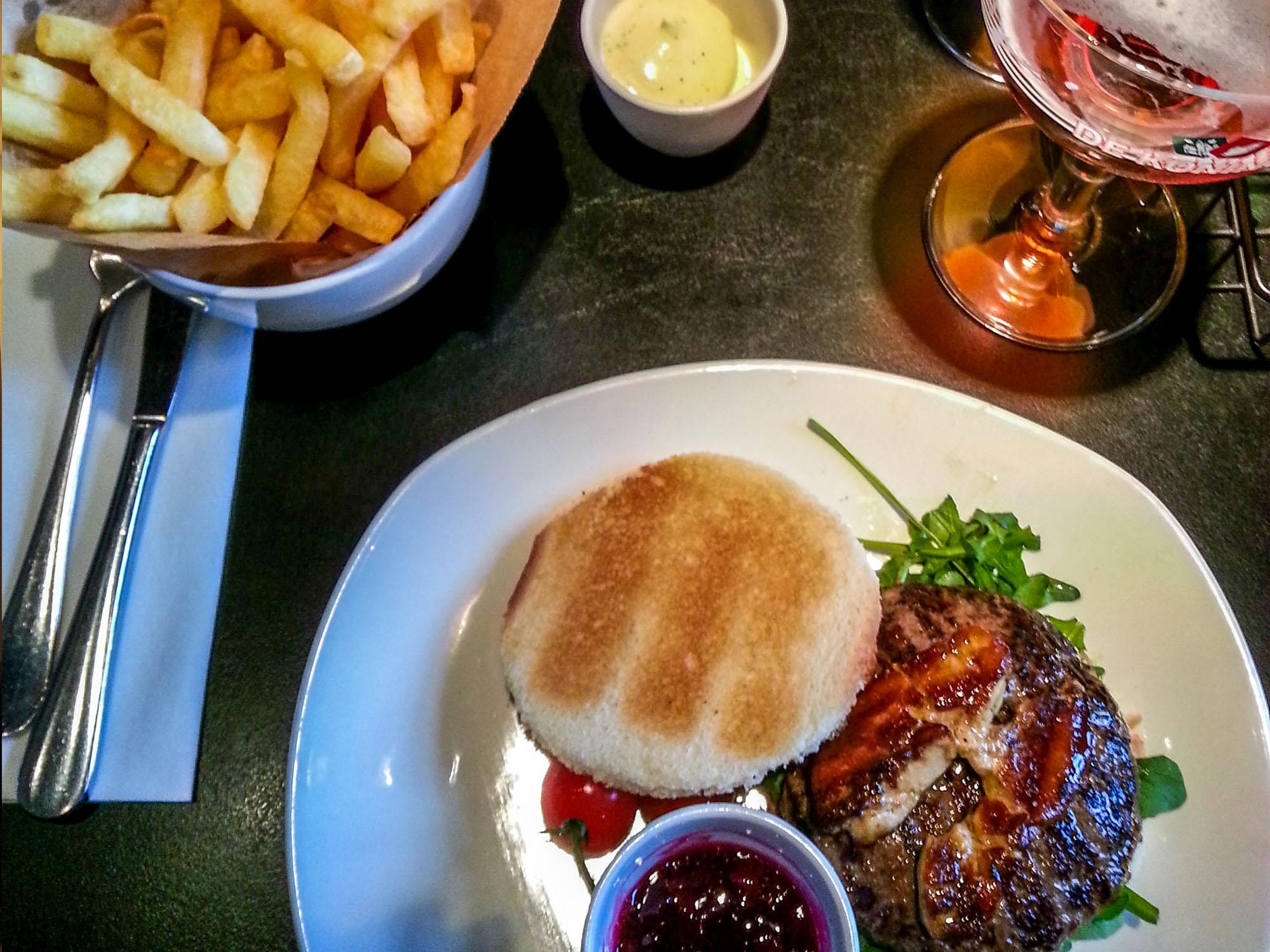 Ellis-Gourmet-Burger