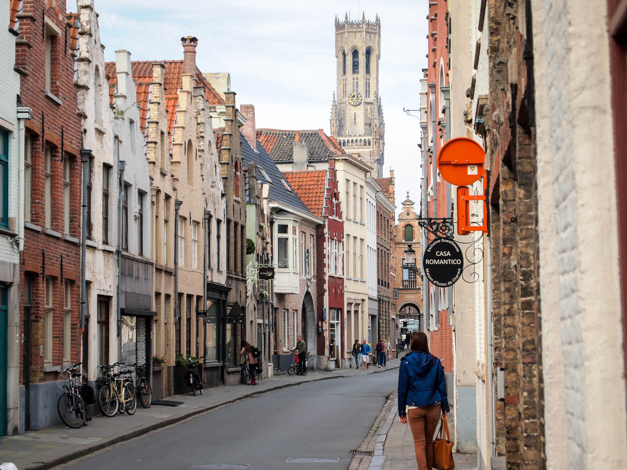 Wandering through the medieval streets of Bruges