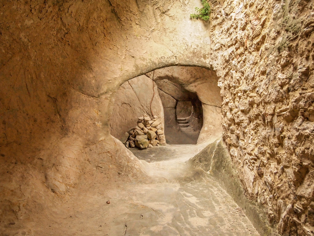 Cave dwellings of Sperlinga