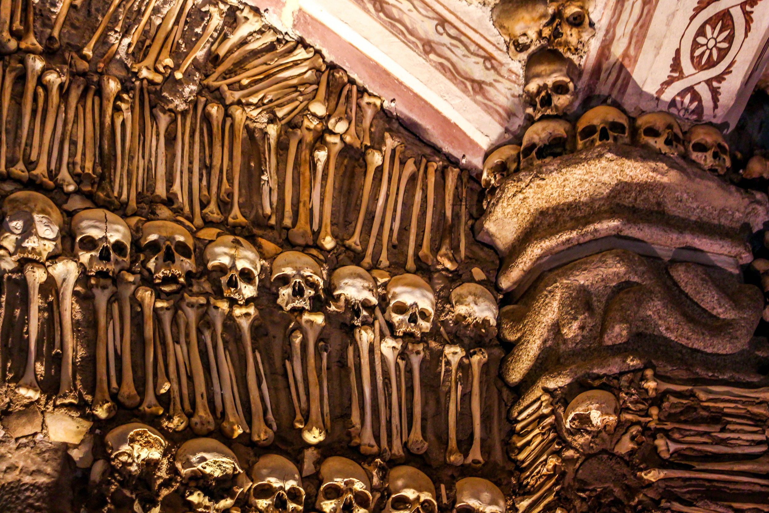 Chapel-of-bones-Evora