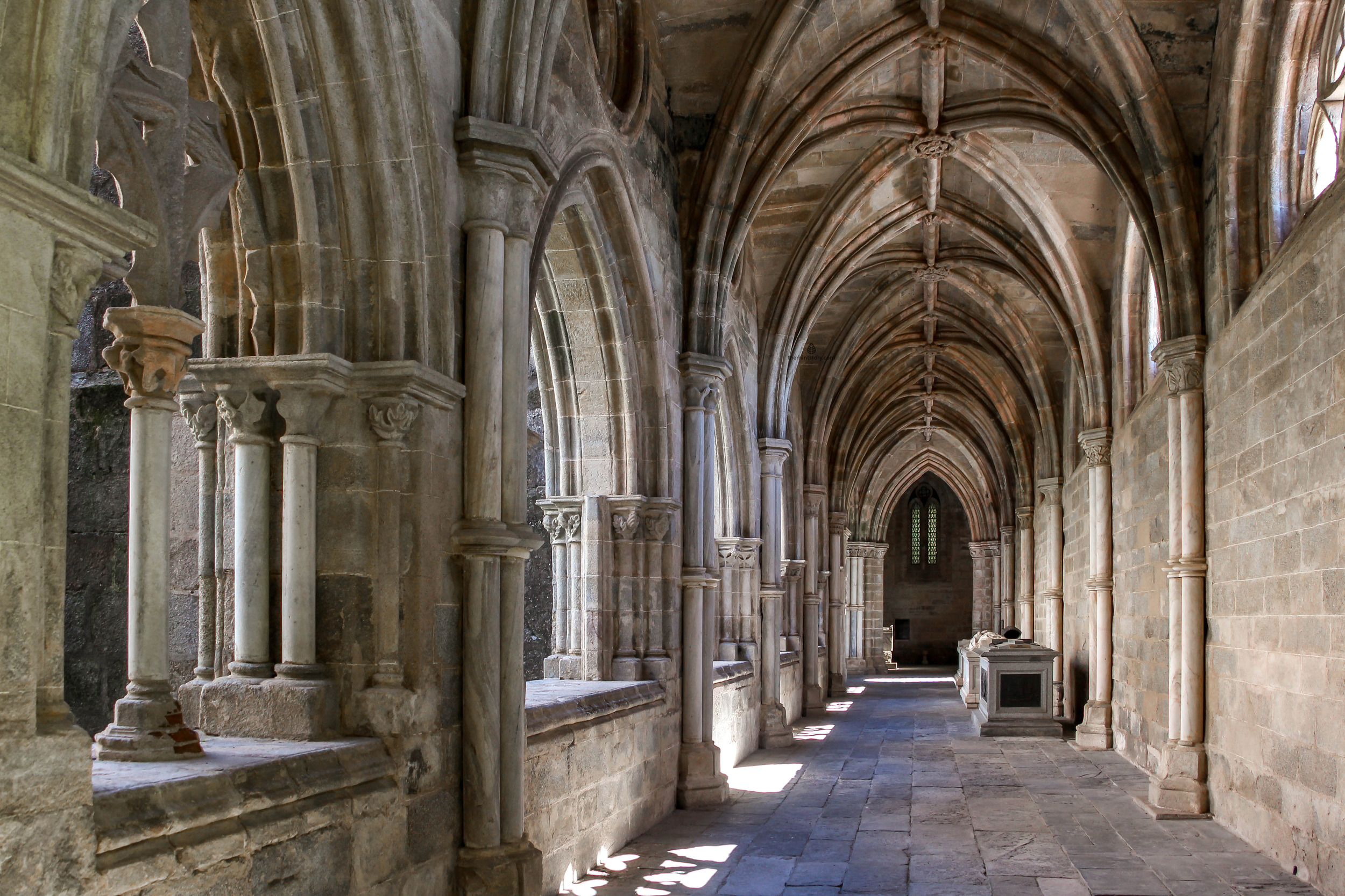 The cloister of the cathedral in Evora