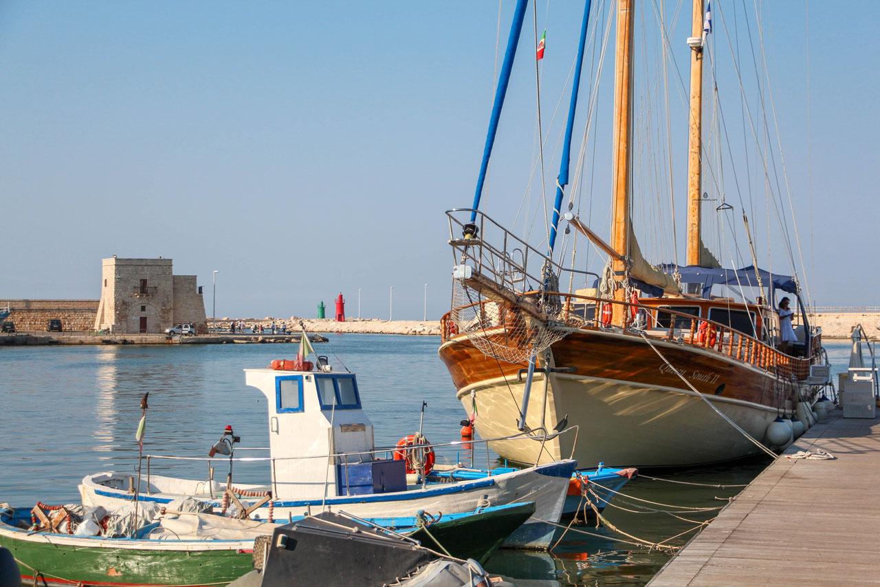 Trani-boats