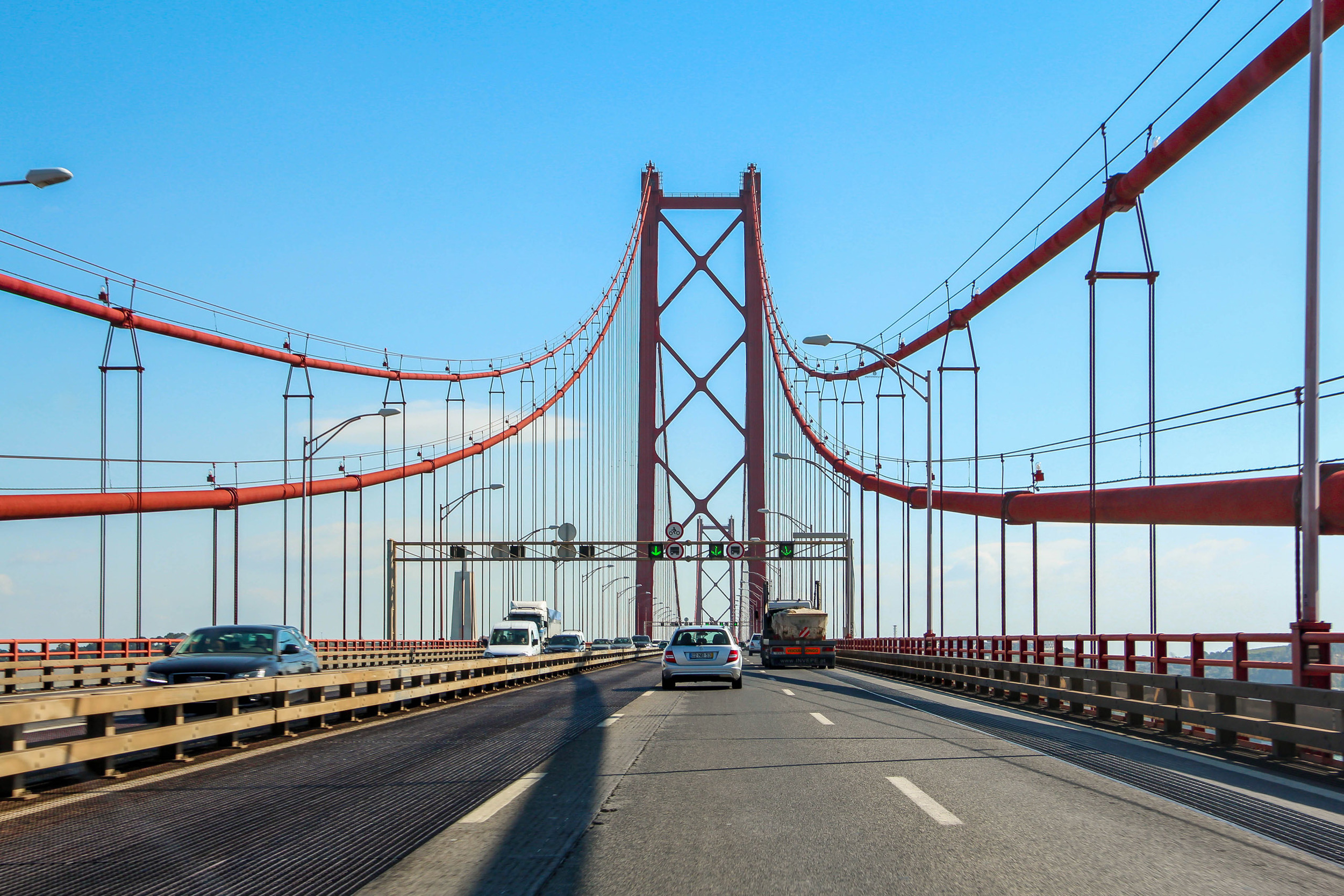 Passing the Ponte 25 de Abril bridge on our way to the Alentejo region