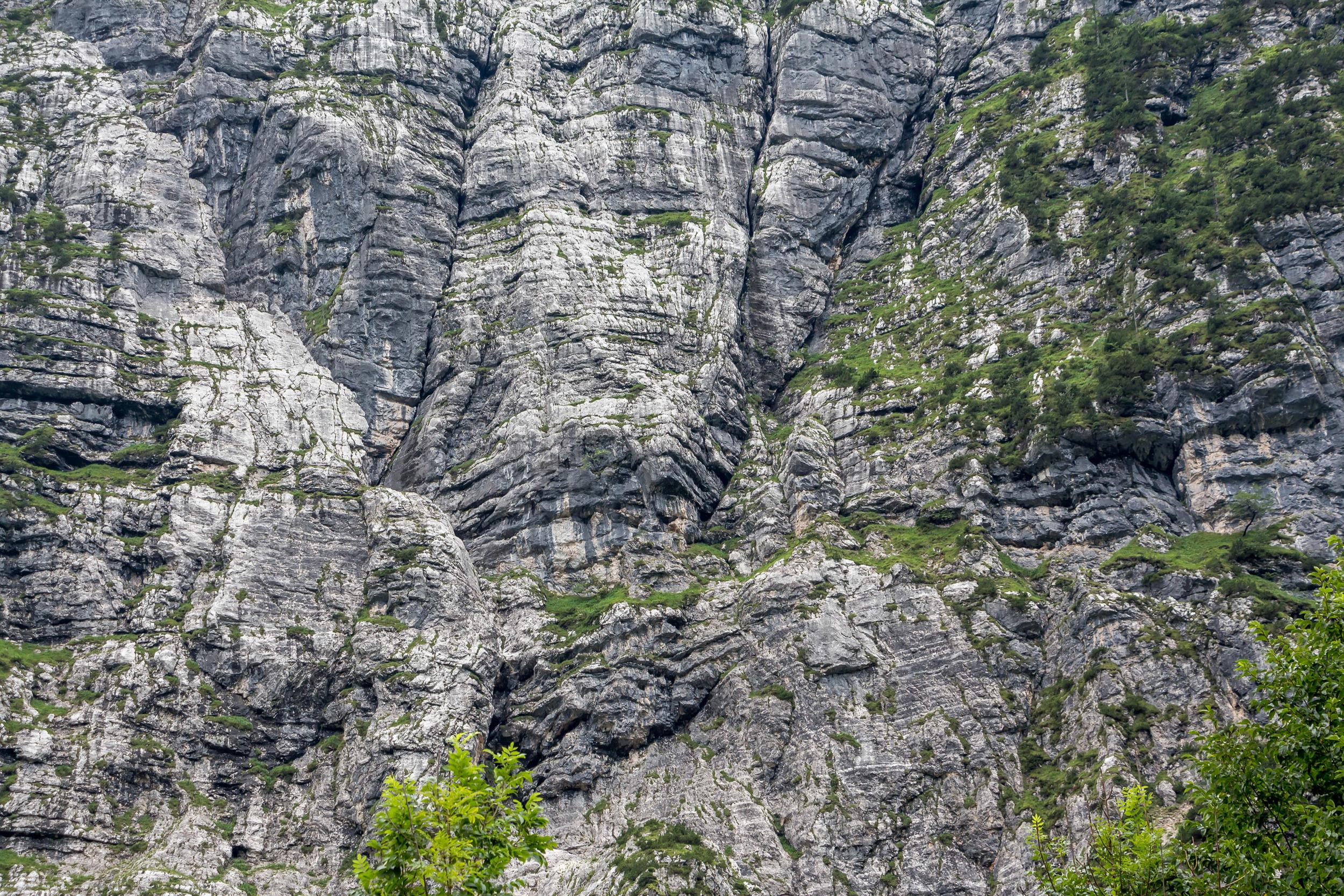 Steep-rocks-Alps