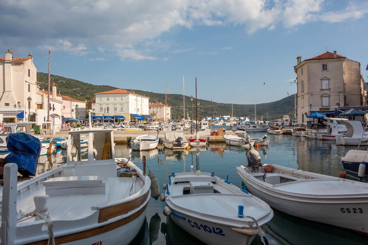 Cres-harbour
