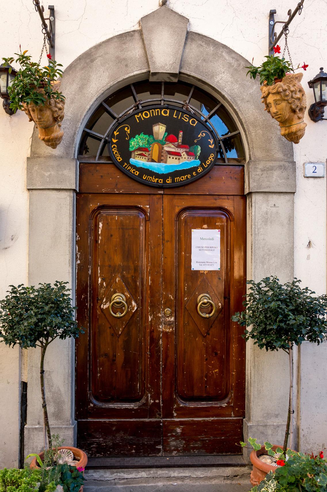 Doors of Castiglione del Lago, Umbria