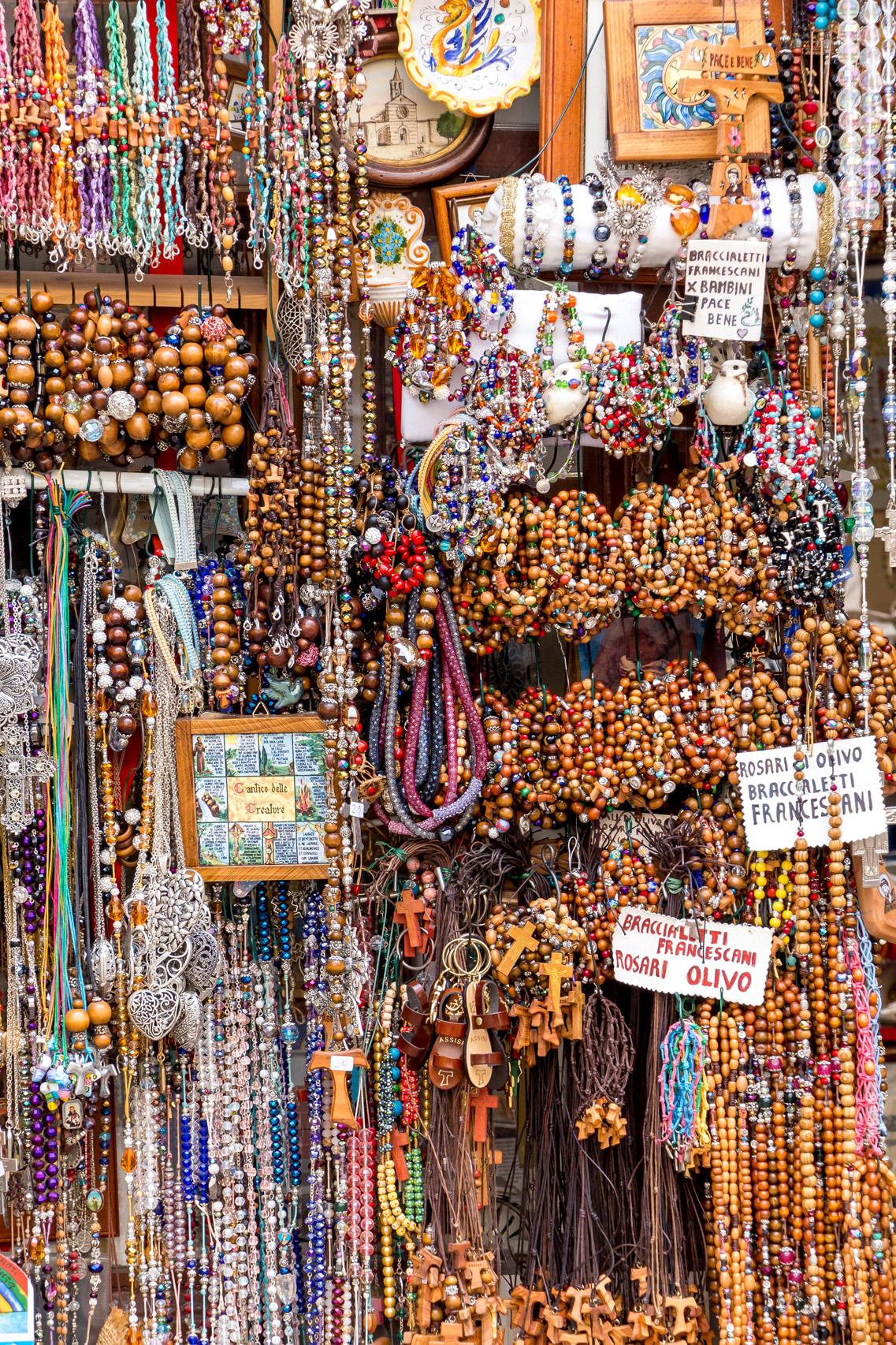 Souvenir shops in Assisi