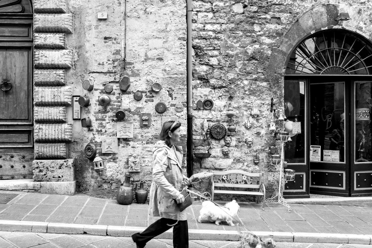 On the street, Todi