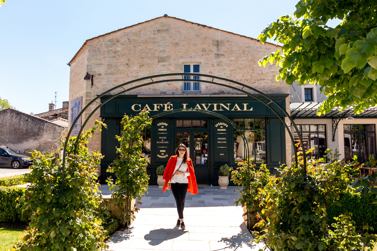 Cafe Lavinal, Bages