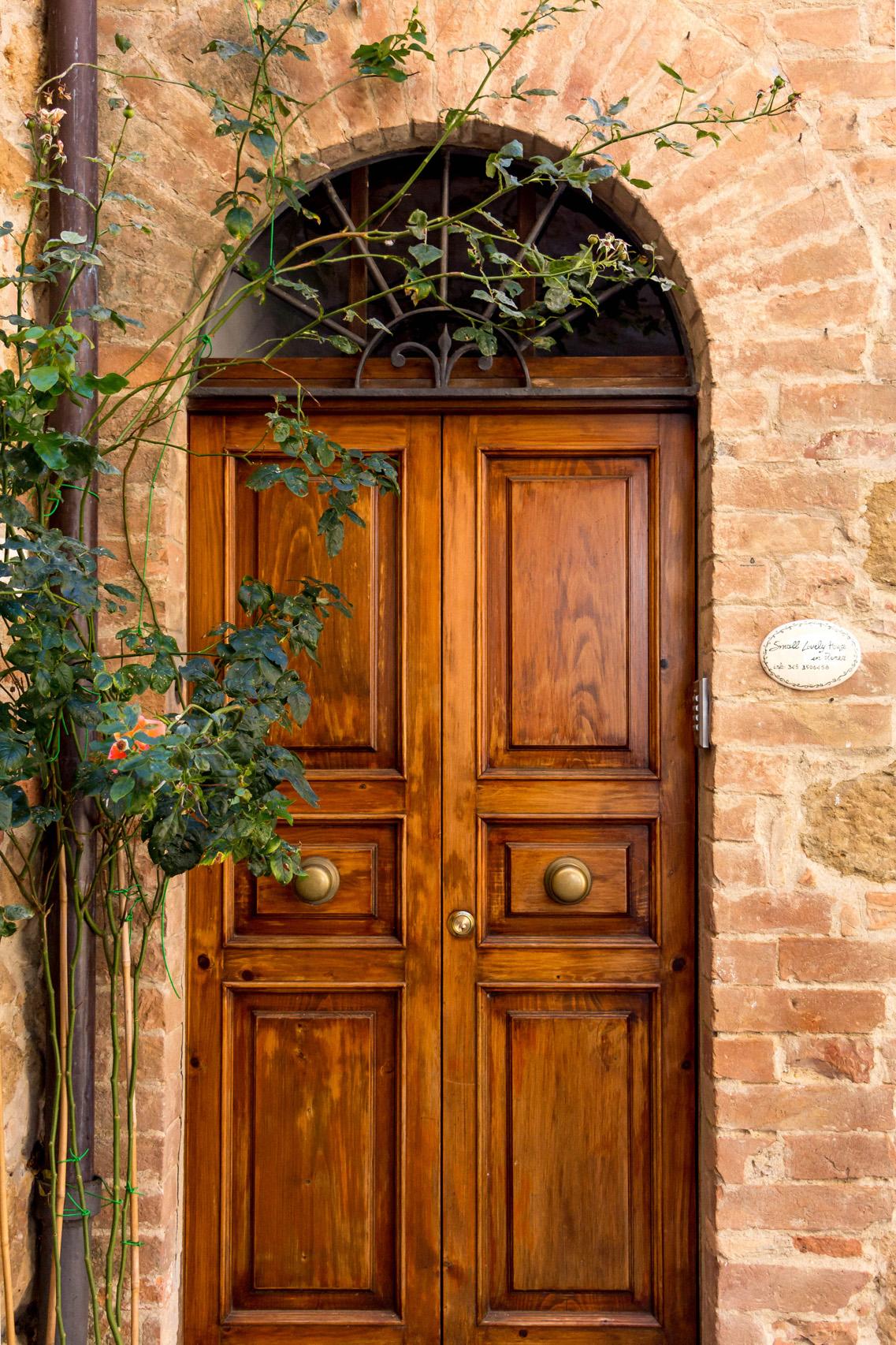 Pretty doors of Pienza, Tuscany