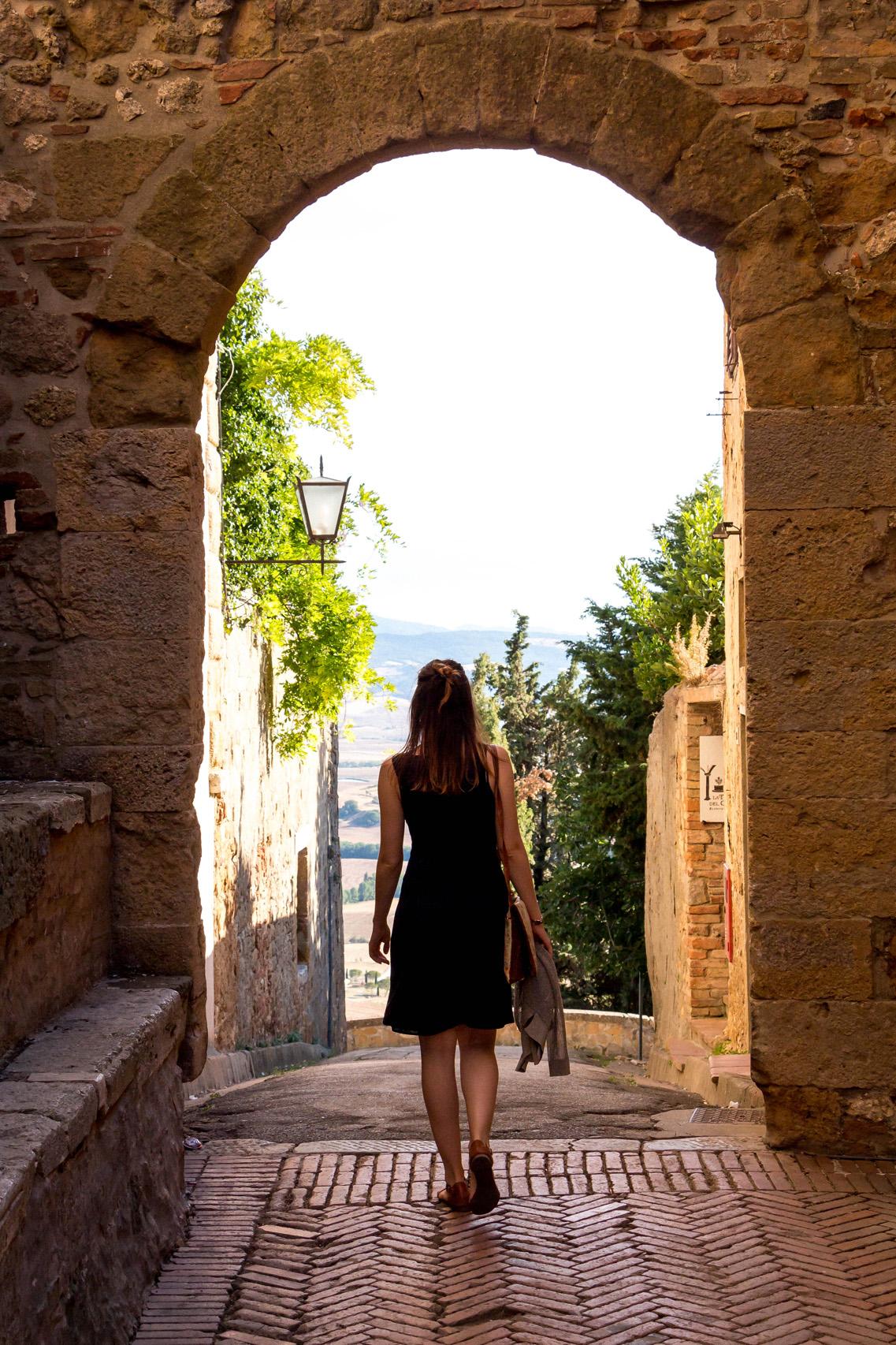 Walking the streets of Pienza, Tuscany