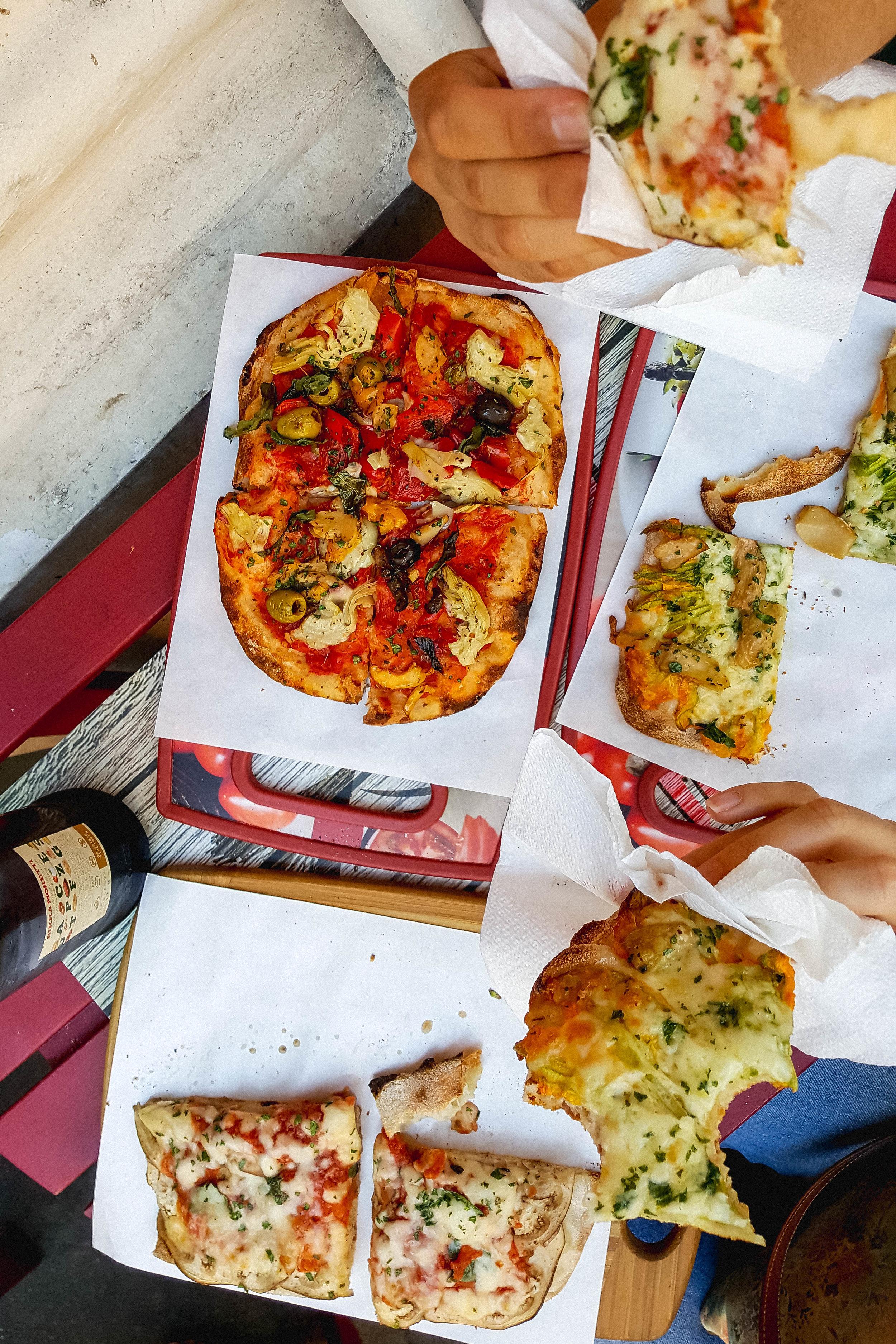 Pizza at Pinsa 'Mpo, Rome