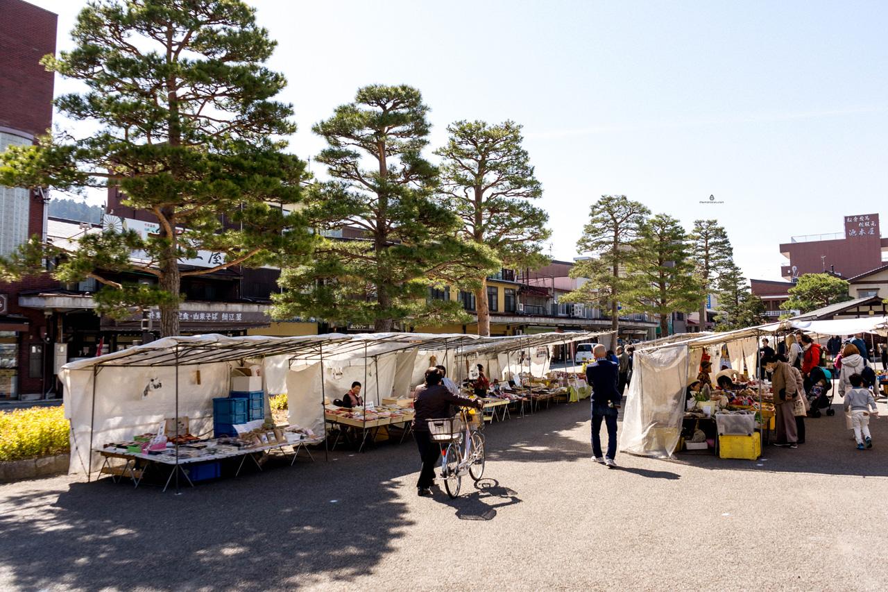 Jinya Mae Morning Market, Takayama