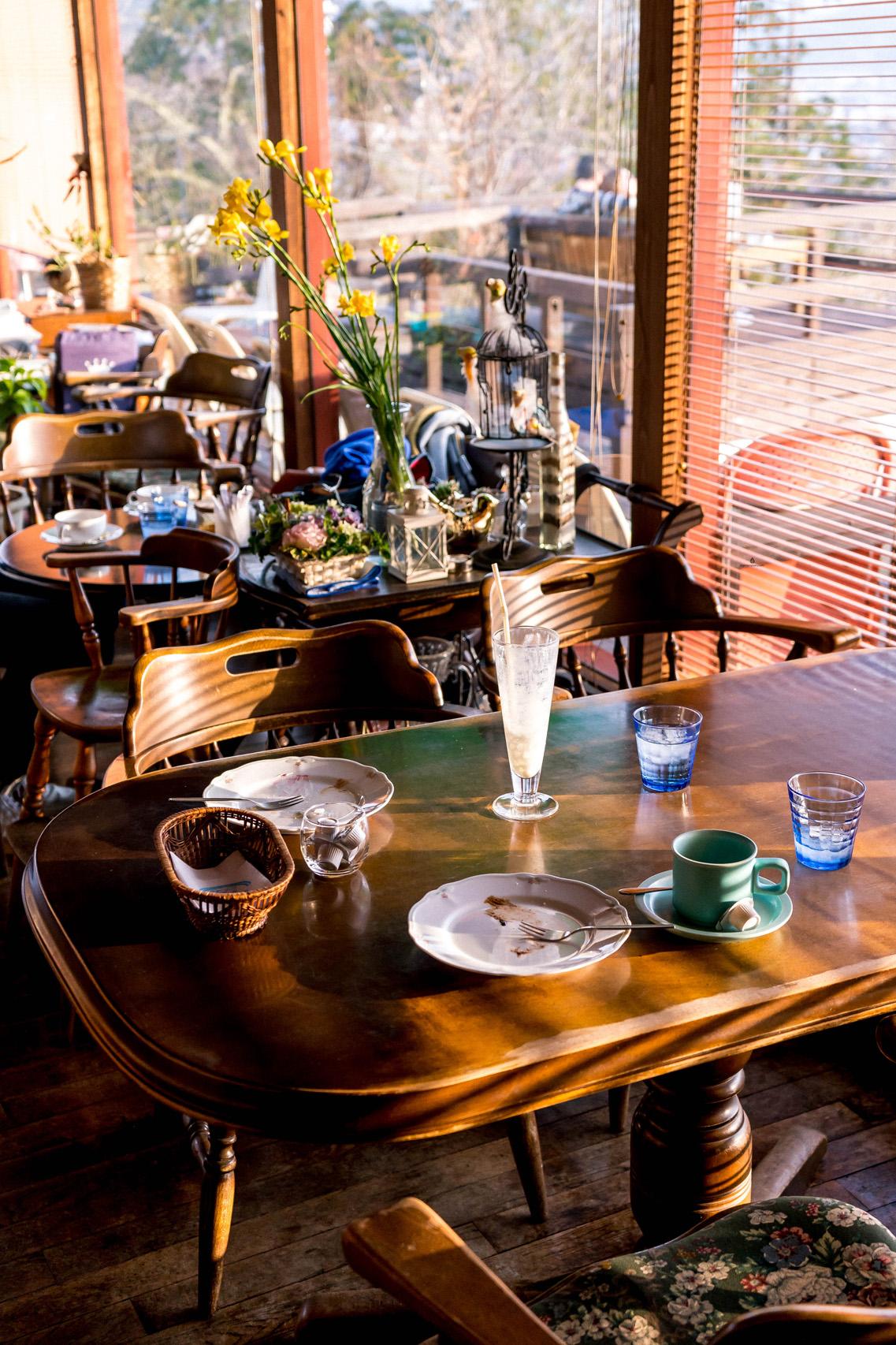 Afternoon sun at Ichii cafe, Takayama