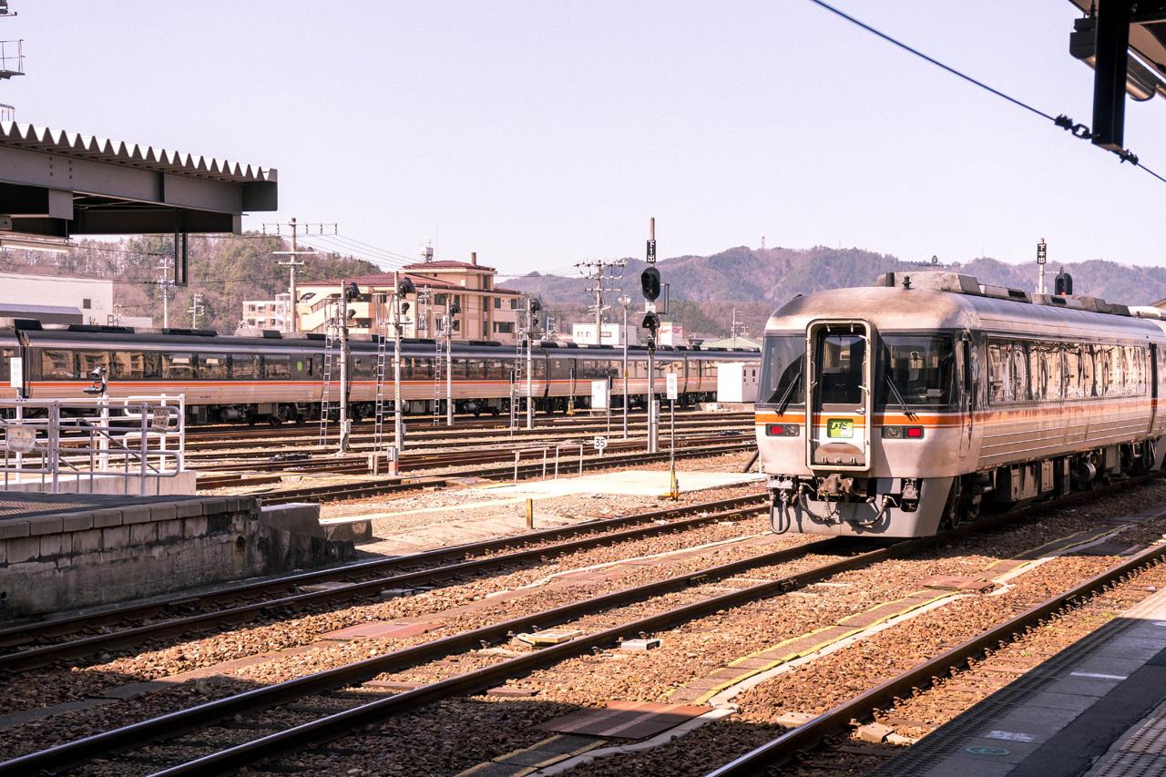 Train ride from Takayama to Nagoya