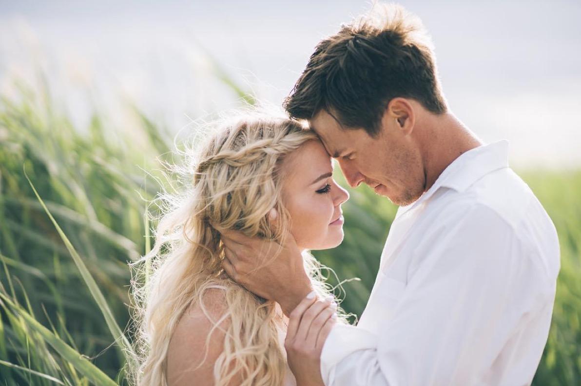 """Alt-text: """"wedding engagement photo by sam wilder"""""""