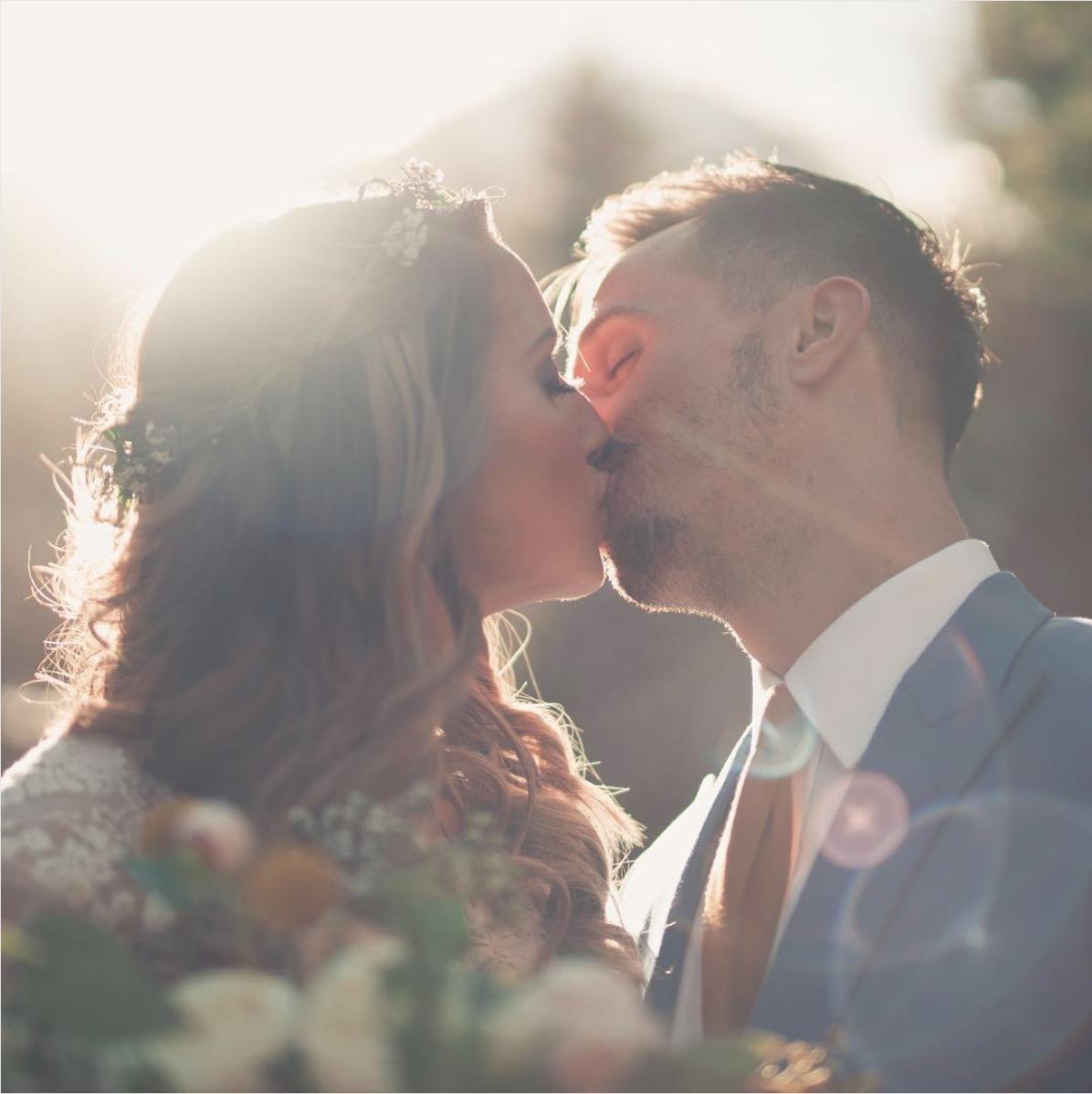 "Alt-text: ""Wedding Photo Hipster couple vintage by Sam Wilder"""