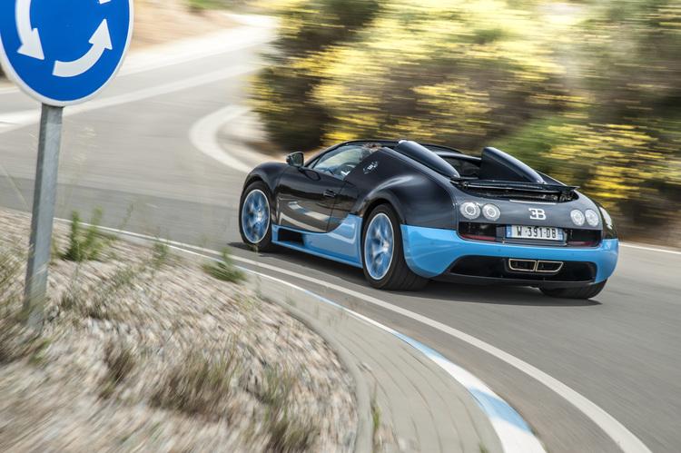bugatti-veyron-vitesse-road-drive.jpg