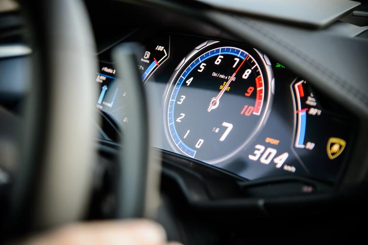 lamborgini-hurican-top-gear-car-photographer-artists-legends-speedometre.JPG