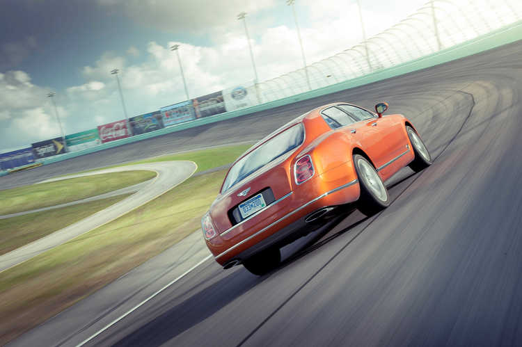 bentley-mulsanne-track-drive.JPG