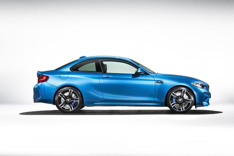 car-photographer-james-lipman-BMW-M2-production-artists-legends_03.jpg