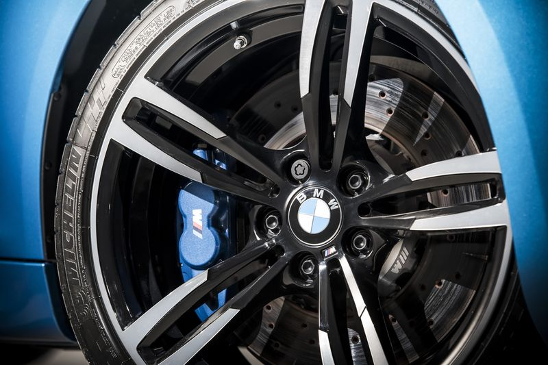 car-photographer-james-lipman-BMW-M2-production-artists-legends_09.jpg