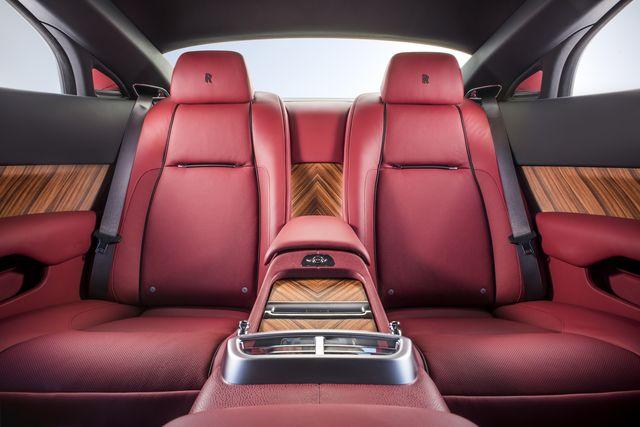 rolls-royce-silver-haze-interior-rear-james-lipman_result.JPG