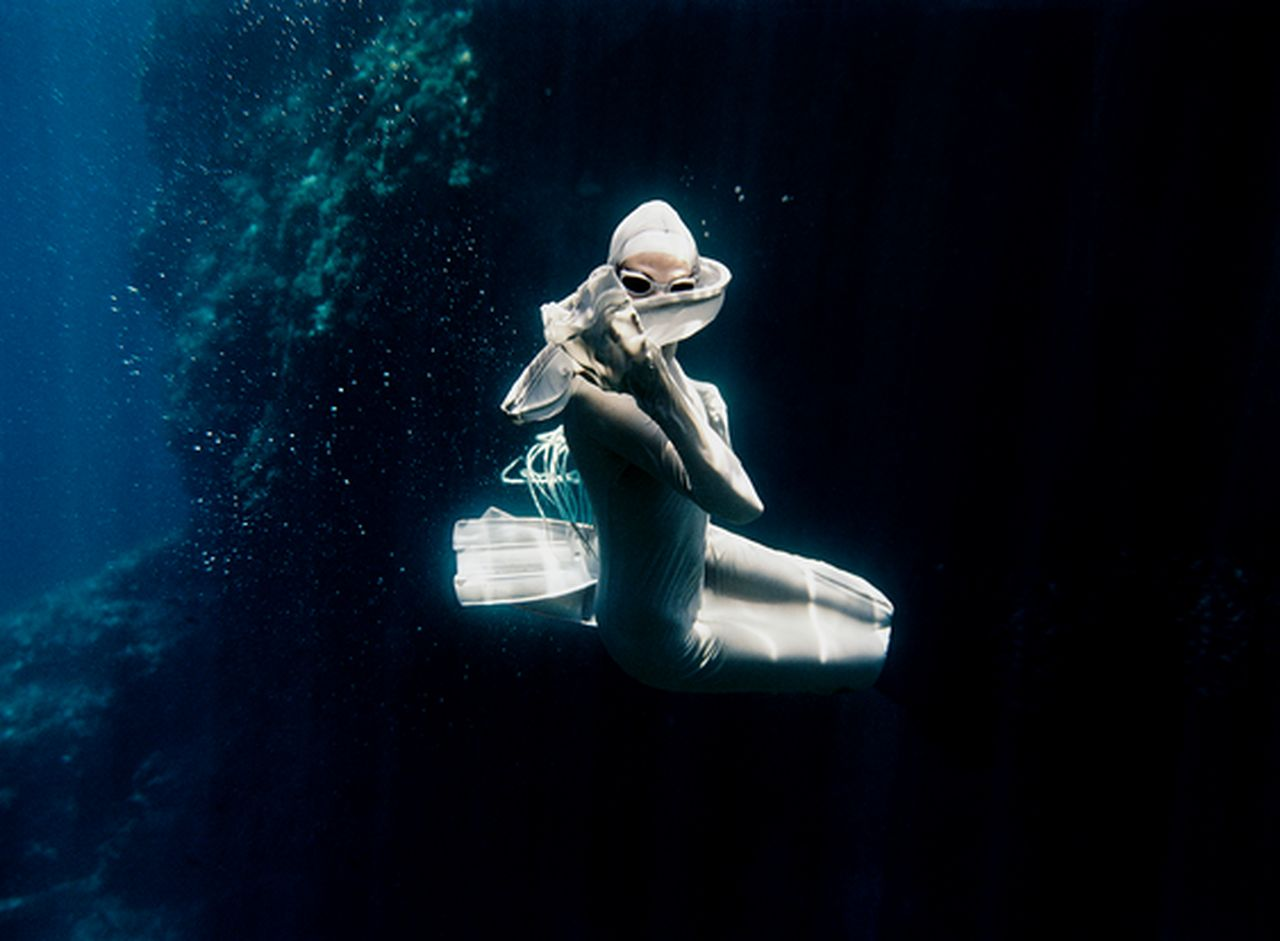 peter-de-mulder-underwater-photography-artists-legends-creative-management_11_result.jpg