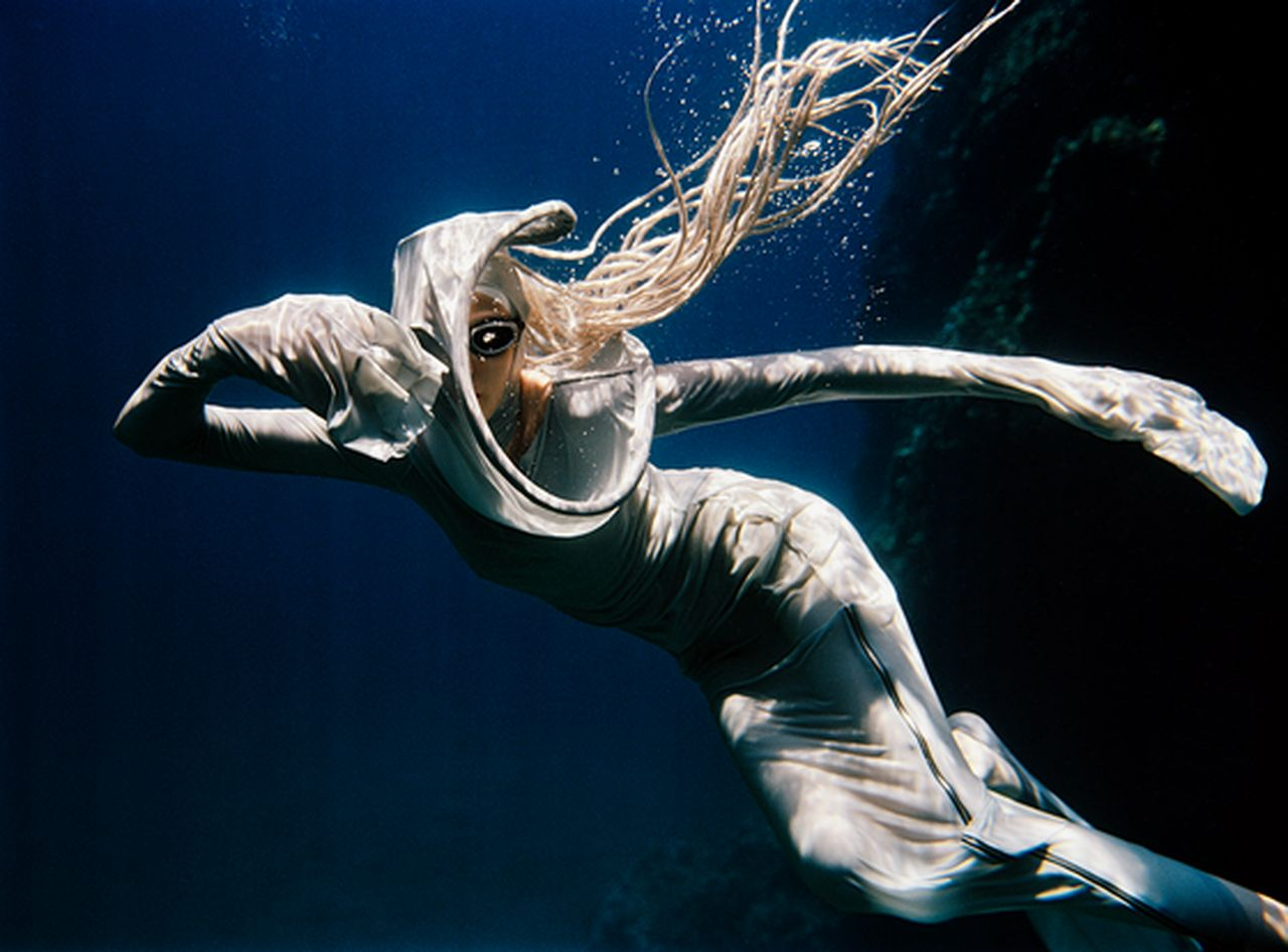 peter-de-mulder-underwater-photography-artists-legends-creative-management_13_result.jpg
