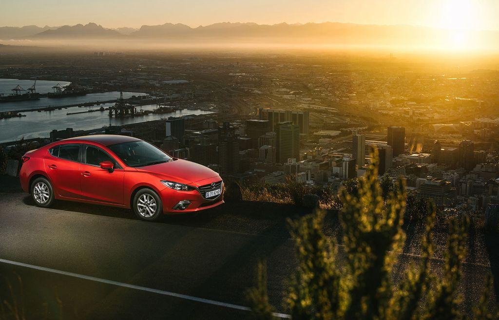 topCar-Desmond-Louw-Mazda-3-0001_result.jpg